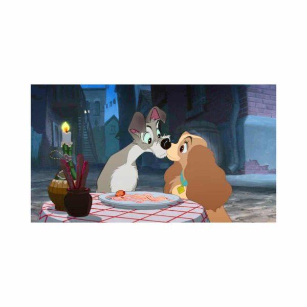 Кадр из мультфильма Леди и Бродяга