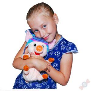 Новогодний подарок Наф-Наф у ребенка