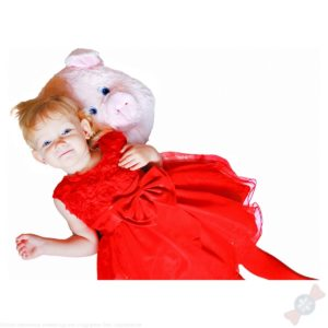 Девочка с новогодним подарком Хрюшка-подушка