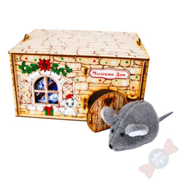 Новогодний подарок из дерева Мышуля с ипотекой