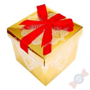 Картонная новогодняя упаковка Золотой куб