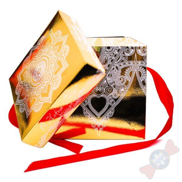 Золотой куб сладкий подарок на новый год
