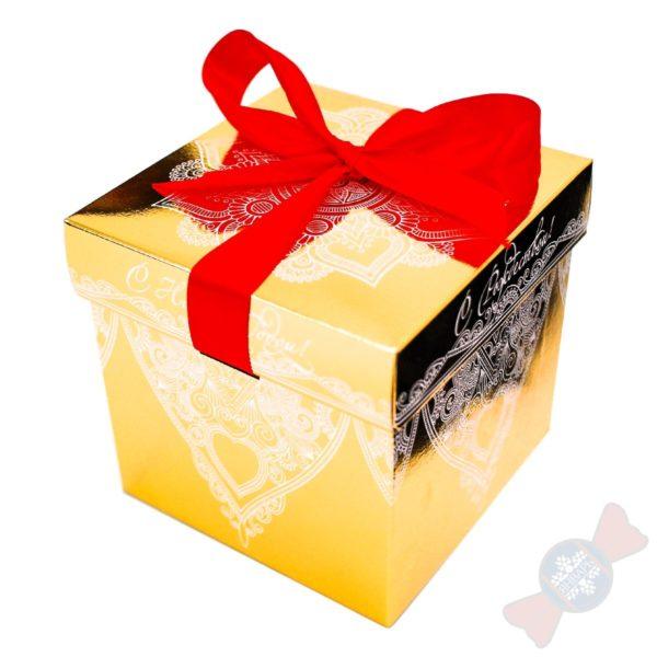 Упаковка из картона Золотой куб